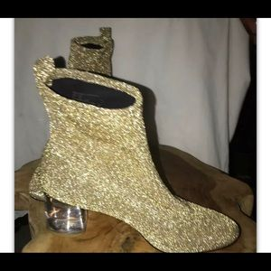 Katy Perry size 7 The Jewels Booties Gold Stretch